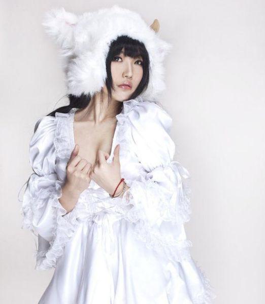 勾起保护欲!七夜娃娃cosplay性感小绵羊