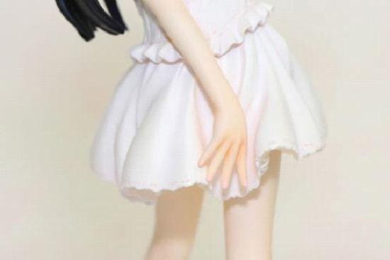 黑猫白色连衣裙手办清凉评测