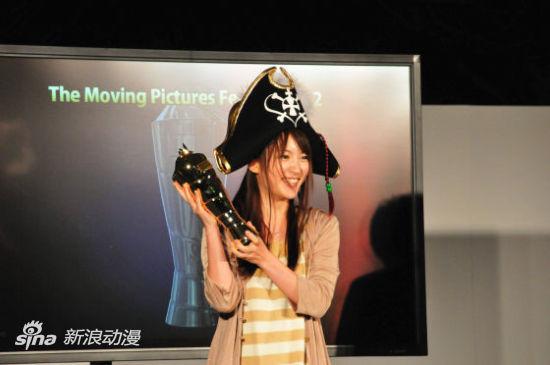 获得机械设计赏1位的《暴力宇宙海贼》(小松未可子)