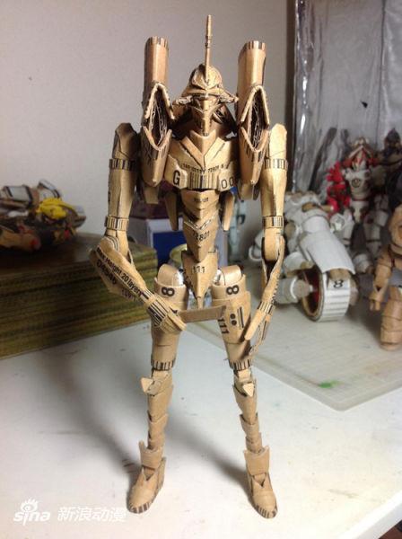 技术宅用瓦楞纸打造可动《EVA》初号机模型