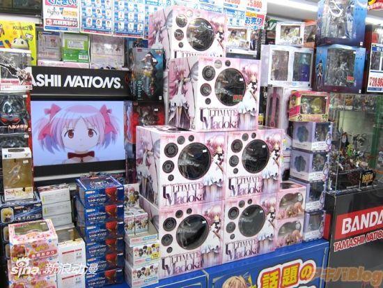 直击《魔法少女小圆》圆神PVC发售店头现场