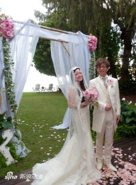 声优田中理惠推特自曝与山寺宏一结婚式照片