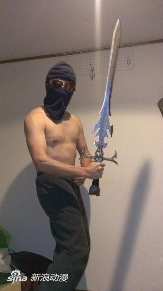 日本网友在泰国买到《中二病也要恋爱》大剑